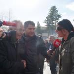 Karin im Interview mit dem Türkischen TV (Touristen sind selten beim Camel-Wrestling!)